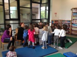 """Le nostre lettrici volontarie NpL """"sommerse"""" dai piccoli ascoltatori"""